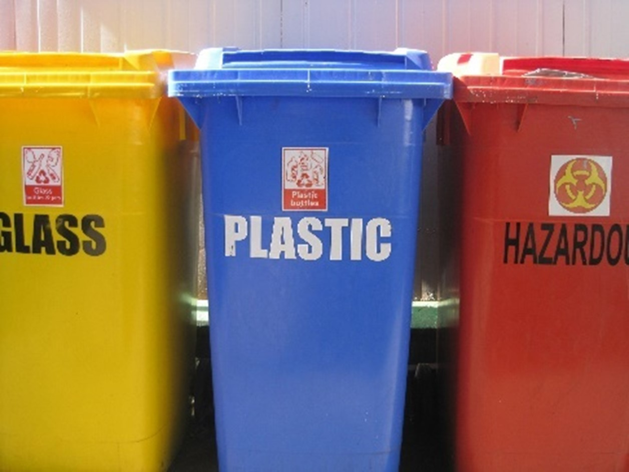 Hazardous Waste - Chemicals Management Guide & Training for Manufacturers -  1